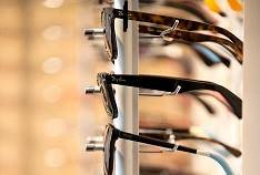 InsightEyeGroup sunglass display